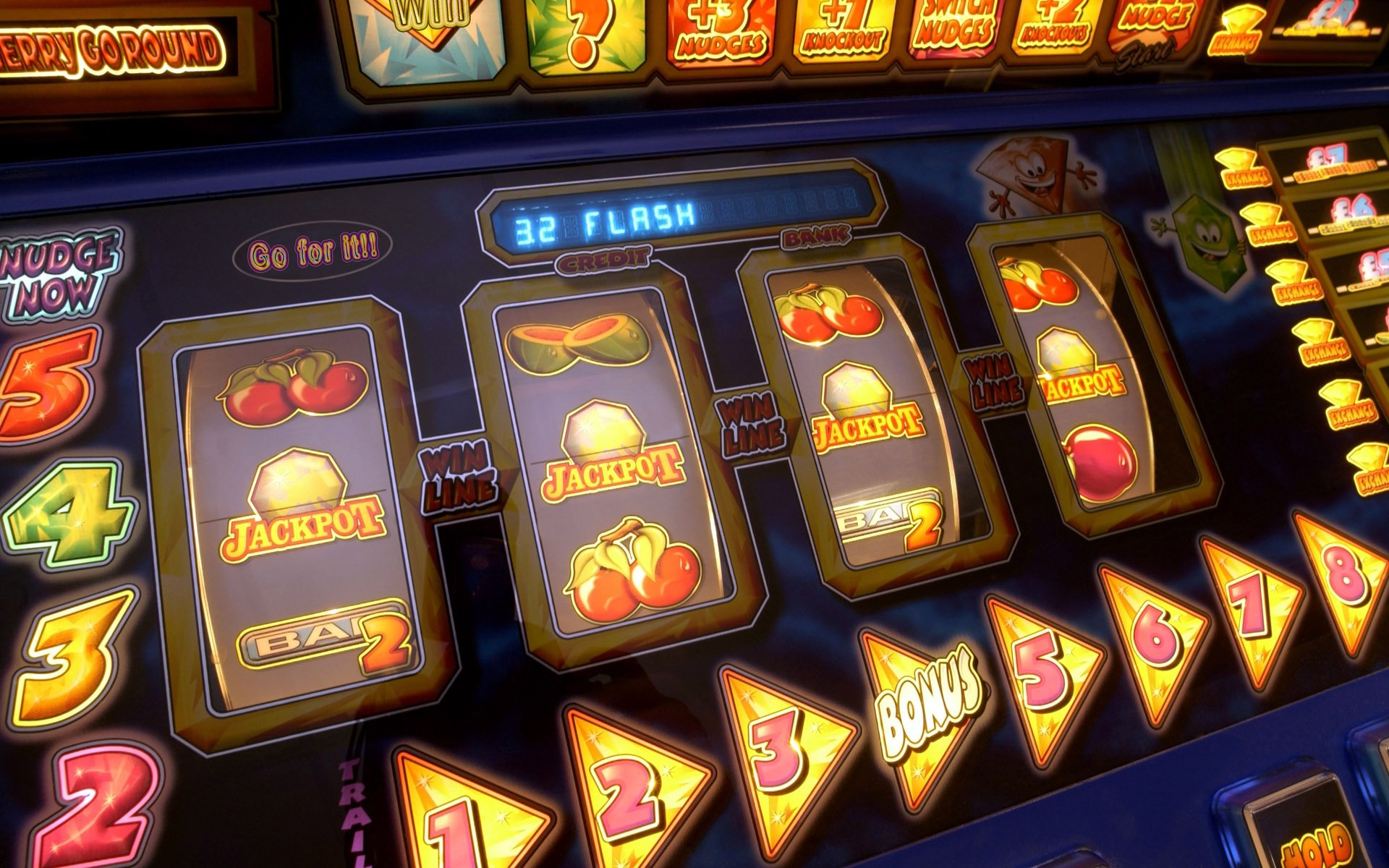 Some Benefits of Online Casino Games That You Can Get While Playing Your Luck For Free